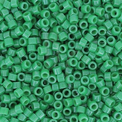 DB0655 - Dyed Opaque Kelly Green 50 gr