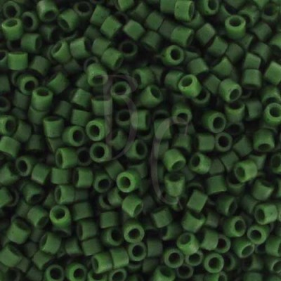 DB0797 - Dyed Semi Mat Opaque Jade Green 50 gr