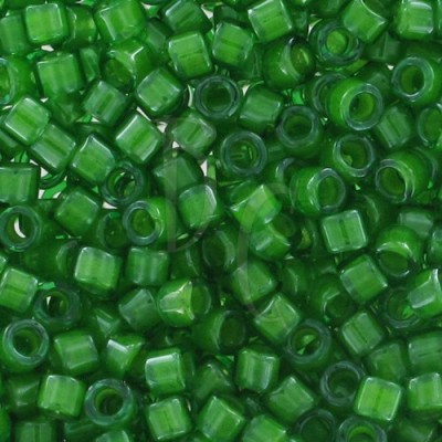 DB0274 - Lined Pea Green Luster 5 gr