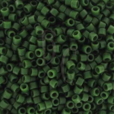 DB0797 - Dyed Semi Mat Opaque Jade Green 50 gr