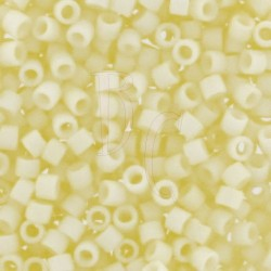 DB1511 - Mat Opaque Pale Yellow 5 gr
